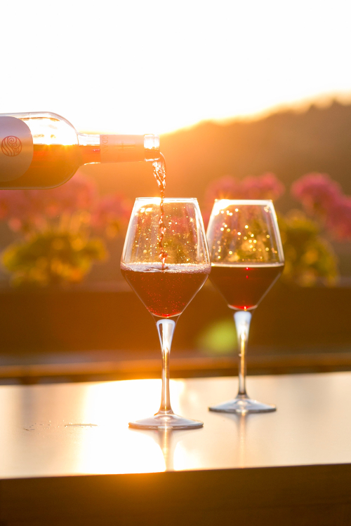 Glasses-of wine-outside
