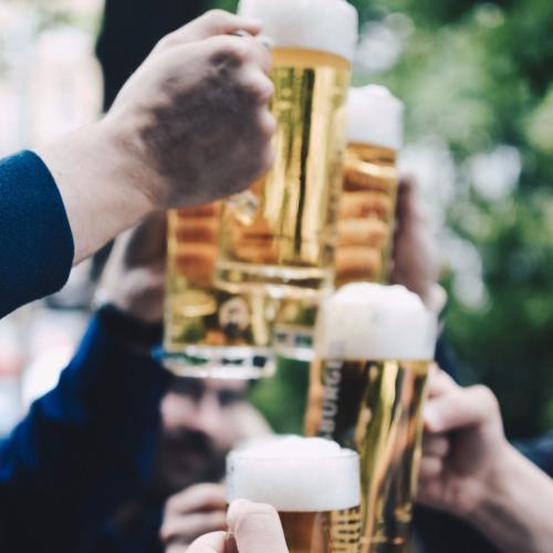 Toasting-beer-pints