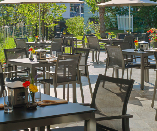 outdoor dining in Stowe